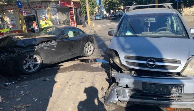 IMAGINI DE LA LOCUL FAPTEI! Ce spune Poliția Constanța despre accidentul din centrul Constanței - 72630228763893414381148461640587-1570957210.jpg