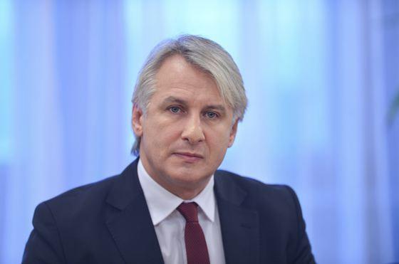 Foto: Eugen Teodorovici şi-a înregistrat la OSIM sloganul pentru Preşedinţie: Insist pentru România