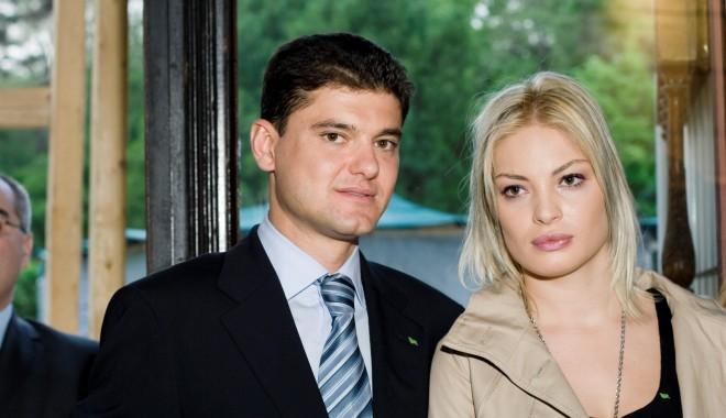 Foto: Este oficial! Valentina Pelinel şi Cristian Boureanu DIVORŢEAZĂ