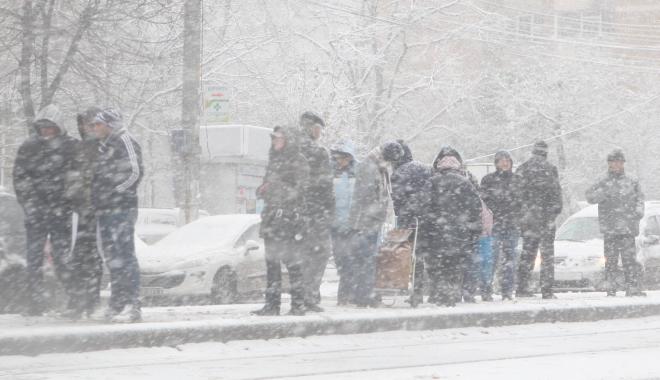 Foto: Cod portocaliu de viscol la Constanţa! 52 de localităţi au rămas fără curent electric