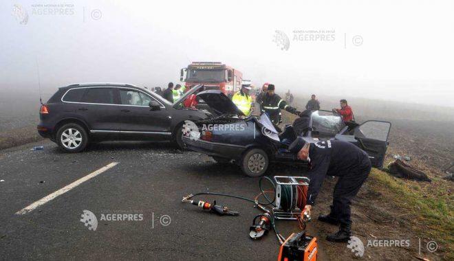 Foto: A decedat şi al doilea copil aflat în maşina care a derapat pe DE 578