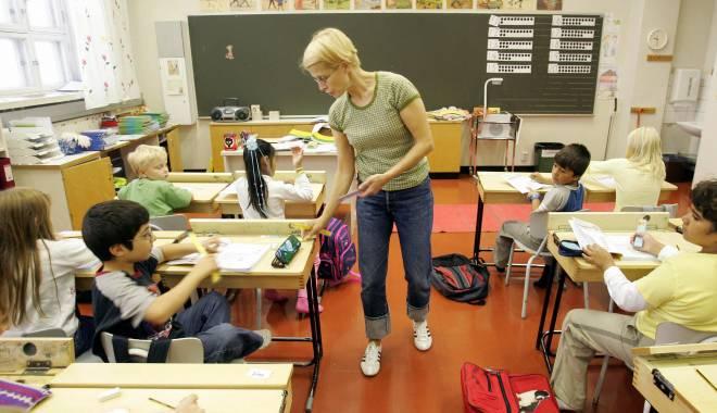 """Foto: Reformă în învățământul din Finlanda. DISPAR MATERIILE:  """"Nu mai au nicio utilitate"""""""