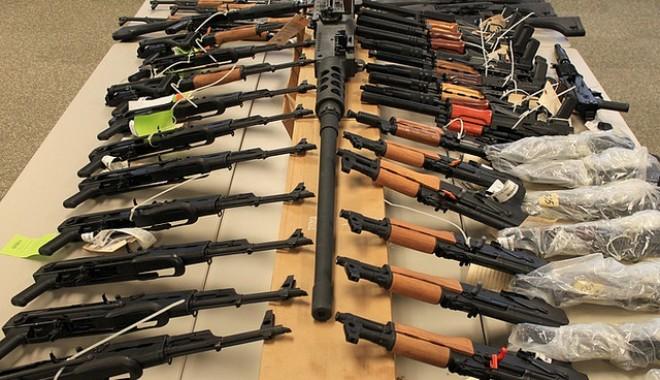 Foto: Mafia din Republica Moldova ar vinde armament rusesc separatiştilor proruşi din Ucraina
