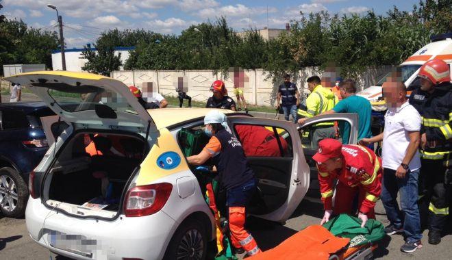 Foto: ACCIDENT MORTAL. Taximetrist mort, un pasager dus cu elicopterul SMURD la spital în Constanța