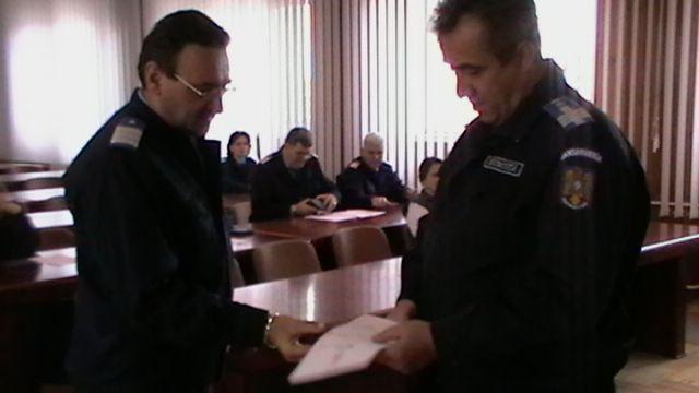 Jandarmi constănțeni premiați pentru 25 de ani de activitate - 8noiembriejandarmipremii-1320748440.jpg