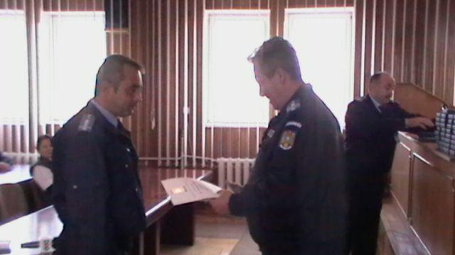 Jandarmi constănțeni premiați pentru 25 de ani de activitate - 8noiembriejandarmipremii1-1320748454.jpg