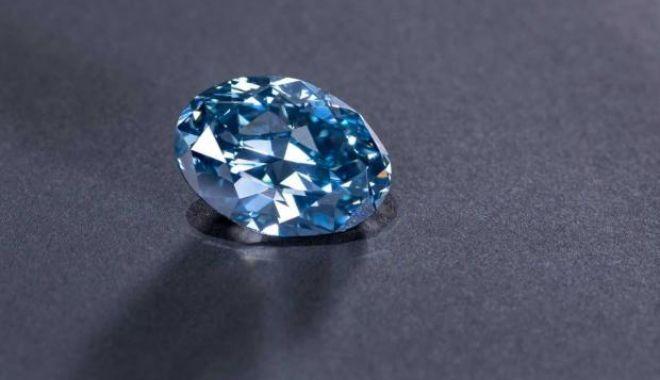 Foto: Un diamant albastru rar, de 20 de carate, descoperit în Botswana