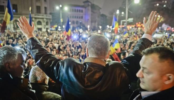 Președintele Klaus Iohannis a ajuns în Piața Universității - 978x0-1447007395.jpg