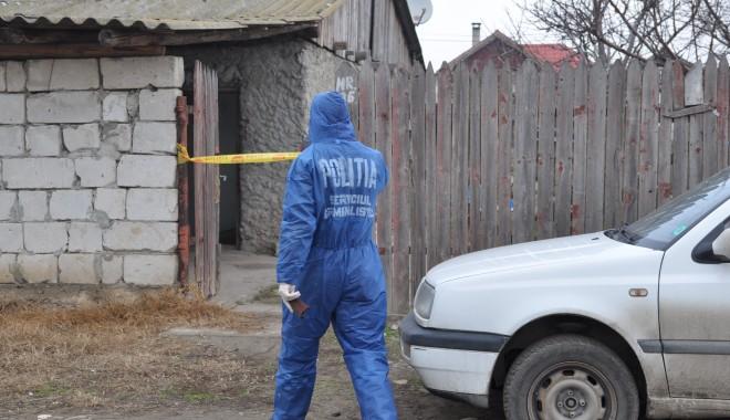 Foto: CRIMĂ la Valu lui Traian / Bărbatul găsit mort în casă a fost ucis