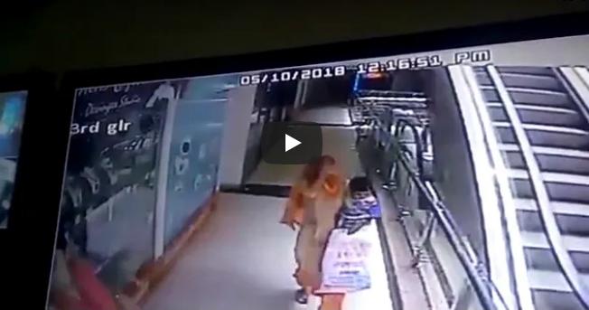 Foto: ATENŢIE, IMAGINI GREU DE PRIVIT! O mamă și-a ucis copilul, pe care l-a scăpat 3 etaje, în timp ce își făcea un selfie în mall