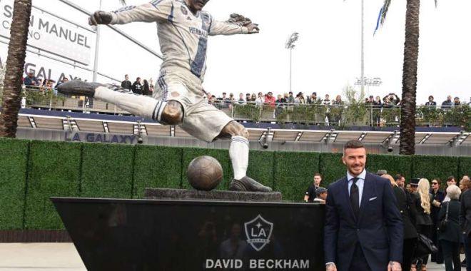 Foto: Beckham are statuie în faţa stadionului lui Los Angeles Galaxy
