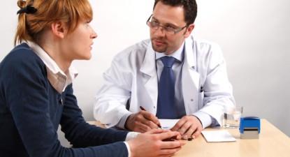 """Foto: """"Doctorul mi-a greşit certificatul medical şi nu vrea să-mi dea altul!"""""""