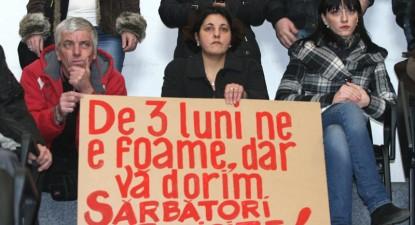 """Foto: Consiliul Judeţean refuză să predea Teatrul """"Oleg Danovski"""" Ministerului Culturii"""