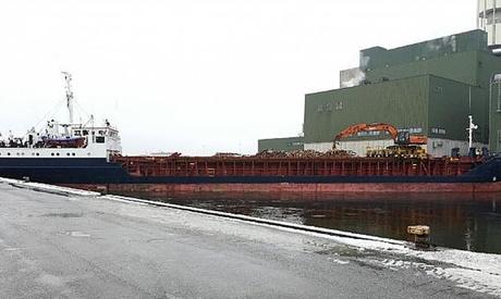 Foto: A blocat portul din cauza unei erori de navigație