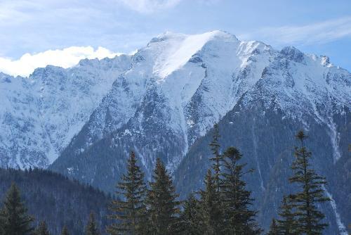 Foto: Zăpadă de jumătate de metru şi viscol în Munţii Bucegi