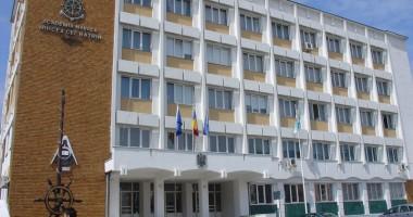 """Foto: Festivitate de înălţare în grad la Academia Navală """"Mircea cel Bătrân"""""""