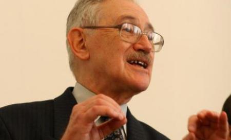 Academicianul Florin Constantiniu s-a stins din viață la vârsta de 79 de ani - academicianulflorinconstantinius-1334475840.jpg