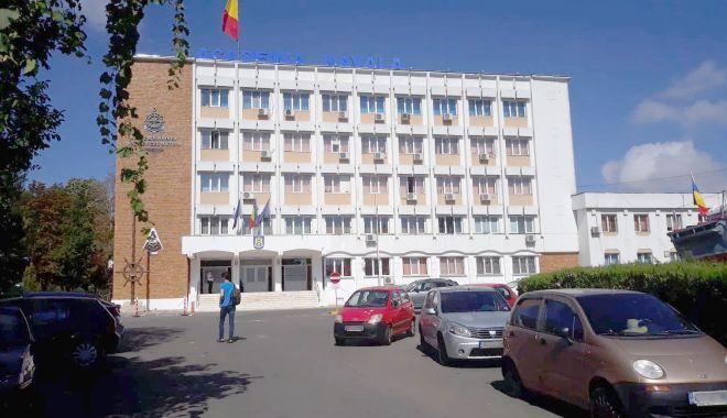 Pregătiri pentru noul an universitar şi la Academia Navală - academie1-1599842937.jpg