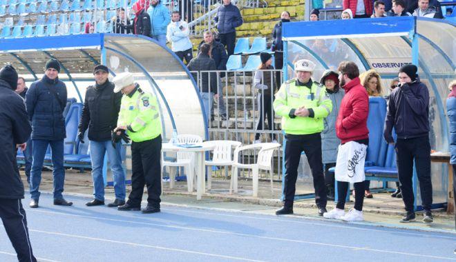 A căzut pe pistă în timpul probei sportive pentru intrarea în Poliţia Locală - acazut2-1518454537.jpg