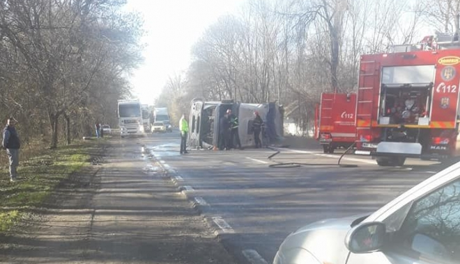 Foto: ACCIDENT RUTIER LA CONSTANŢA. INTERVINE DESCARCERAREA! Trafic blocat! UPDATE
