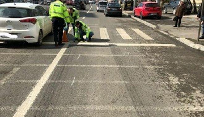 Foto: ACCIDENT RUTIER LA CONSTANŢA! Femeie lovită de un şofer de 19 ani, chiar pe trecerea de pietoni