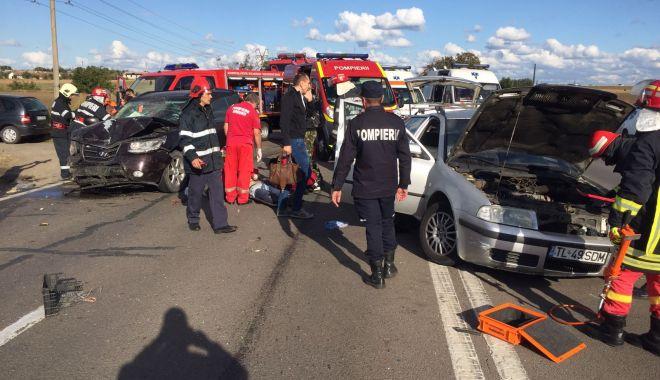Foto: Accident grav la ieşire din Constanţa! Mai multe ambulanţe sunt la faţa locului