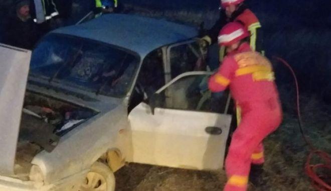 GALERIE FOTO / Accident rutier la Gura Dobrogei. Două persoane sunt încarcerate - acc-1548777629.jpg