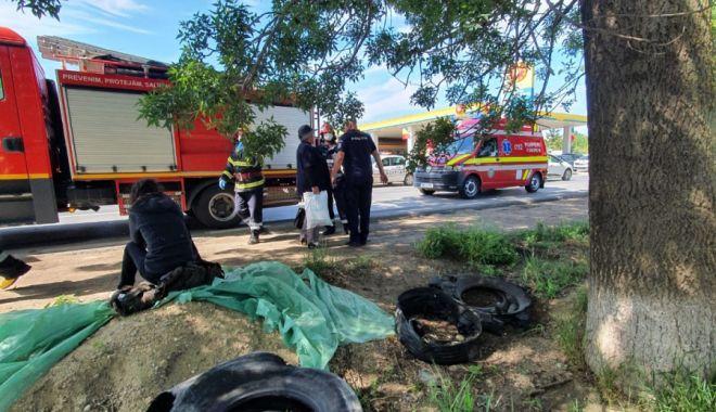 ACCIDENT RUTIER GRAV / Șapte persoane au fost rănite, după ce un microbuz a intrat într-un TIR - acc-1591177375.jpg