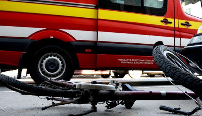 Foto: Biciclist rănit într-un accident, în stațiunea Mamaia