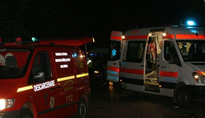 ACCIDENT CUMPLIT la Agigea. Un șofer a murit după ce s-a prăbușit cu TIR-ul, de la cinci metri înălțime - acc-1631858601.jpg