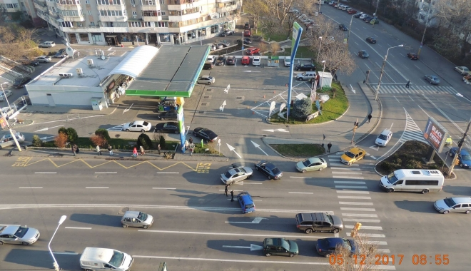 Foto: ACCIDENT RUTIER în zona Boema. Un şofer imprudent tăiat linia continuă