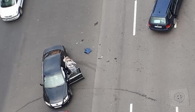 """Foto: Accident rutier la Constanţa: """"E JALE MARE PE TOT BULEVARDUL MAMAIA"""""""
