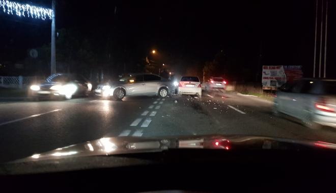 Foto: ACCIDENT RUTIER LA EFORIE SUD. DOUĂ MAŞINI IMPLICATE