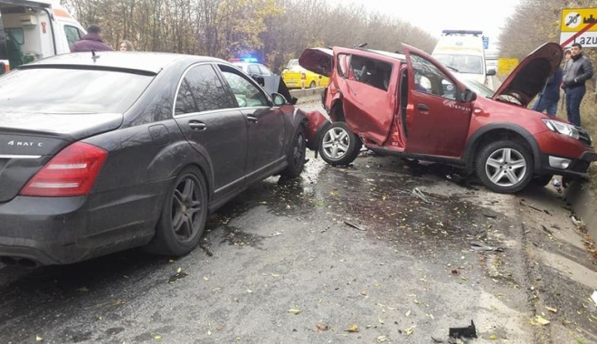 Foto: Tragedia rutieră din Lazu. Un amănunt esenţial: accidentul s-a petrecut în interiorul localităţii, nu în exterior!