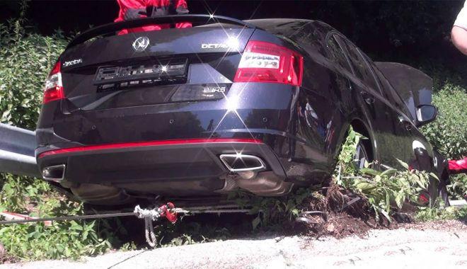 Foto: TRAGEDIE pe şosea, la Constanţa! Un şofer a murit după ce a intrat frontal în altă maşină