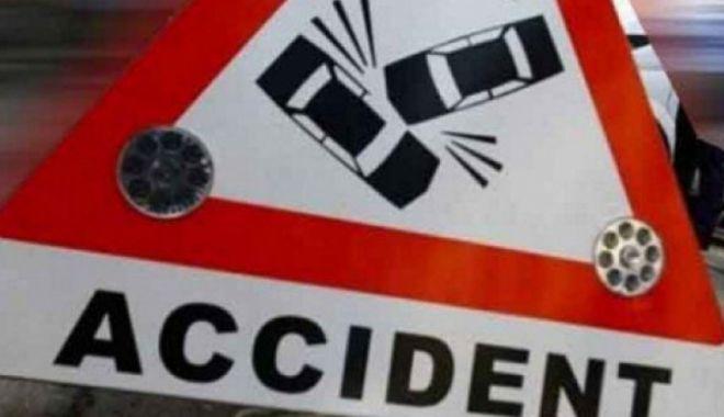 Foto: Doi morți și un rănit grav, în urma unui accident teribil