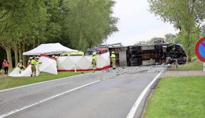 Ministerul Public din Olanda: Cetățeanul căutat în România pentru crimă a murit, intrând cu mașina într-un camion - acc2-1569258171.jpg