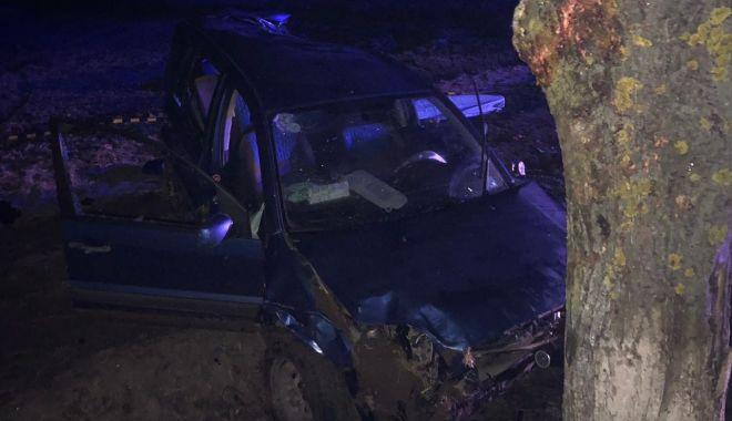 Foto: Bărbat mort după ce s-a răsturnat cu maşina pe câmp, la Constanţa