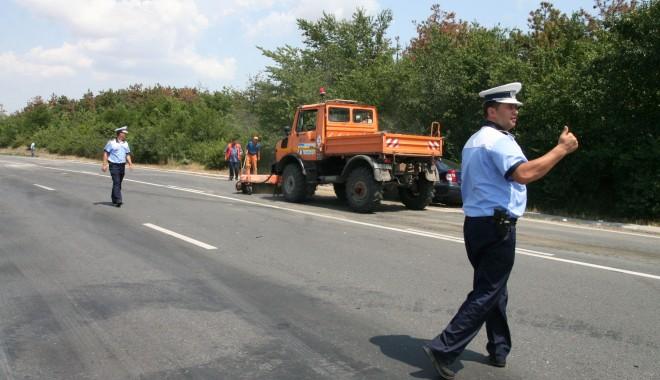 Foto: INDICATORUL S-A OPRIT LA 170 Km/h! Femeia însărcinată care a murit în accidentul de la Topraisar mai avea o fetiţă!