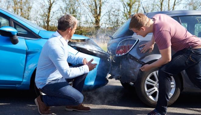 Foto: Accident rutier  cu două victime,  pe strada Călugăreni