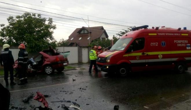 Foto: Accident lângă Bururești: un mort și șapte răniţi