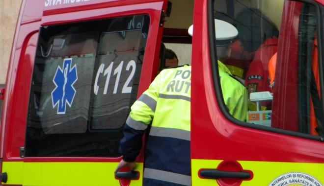 Foto: ACCIDENT RUTIER între un AUTOBUZ RATC și o DACIE. DOUĂ VICTIME