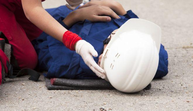 Foto: Un constănțean a murit după ce a căzut din cupa unui excavator