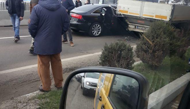Foto: Accident la ieşire din Constanţa !