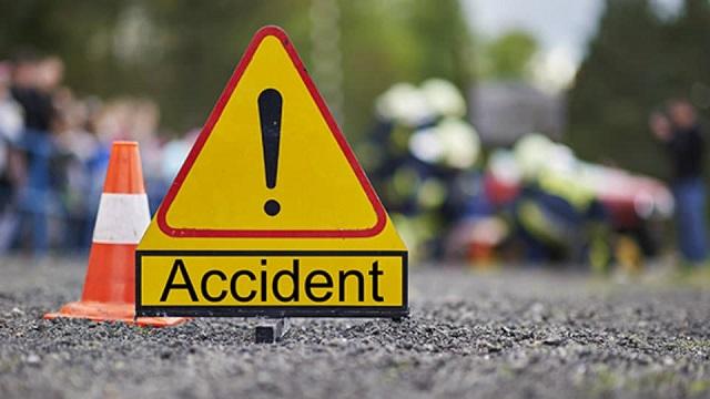 Foto: Accident rutier pe DN 3, Valu lui Traian. Două persoane au fost rănite