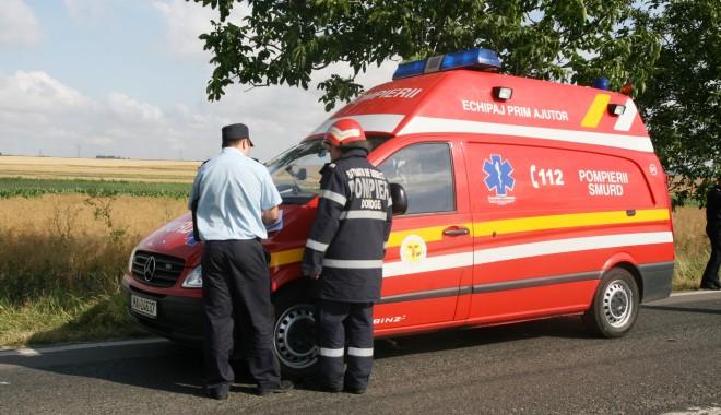 Foto: Rănit grav după ce s-a răsturnat cu maşina pe drumul dinspre Mangalia spre Vama Veche