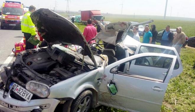 Foto: Victimele accidentului  din Dorobanţu, în stare critică