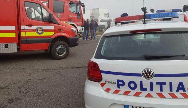 Foto: TÂNĂR BEAT ŞI FĂRĂ PERMIS, GRAV ACCIDENT RUTIER CU MAŞINA FURATĂ