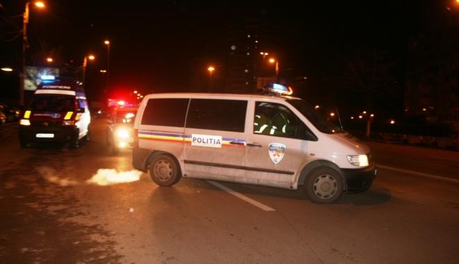 Foto: GRAV ACCIDENT RUTIER / Două autoturisme s-au ciocnit frontal! Patru victime, printre care doi copii