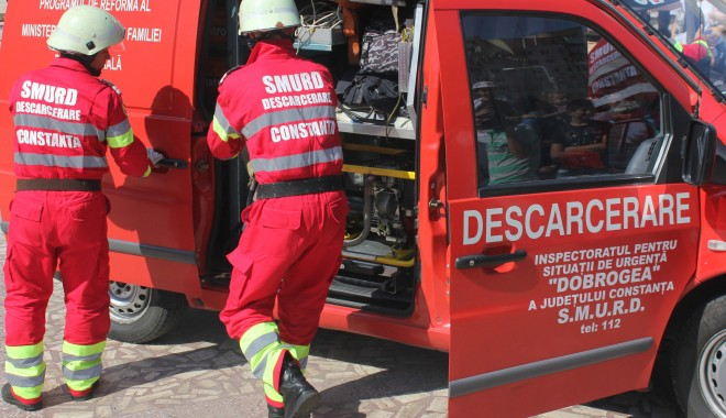 GRAV ACCIDENT LA CARREFOUR / Un tânăr a murit, iar alți doi au fost transportați, în comă, la spital - accident2-1352020770.jpg